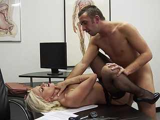 Dr. Andrews is nobody's fool. Heck, this babe's a doctor! But when Keiran Lee walks into her practice with a bit of, ahem, large trouble, this playgirl throws caution to the wind and gives a decision to literally sink her teeth into the problem. Is Keiran's wang really too large for a fucking-rubber? Dr. Andrews gets to the bottom of it and, as usual, urges paramours everywhere (no matter how large) to wrap their tool in advance of sex.