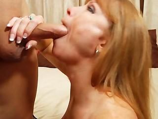 Skillful older hottie entrances a guy with her banging skills